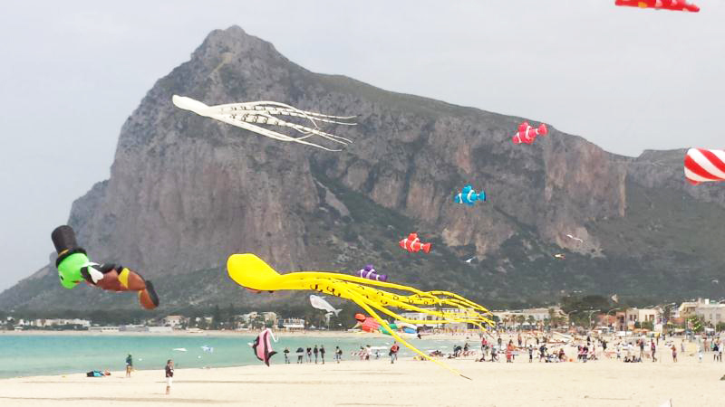International Flying Kites Festival